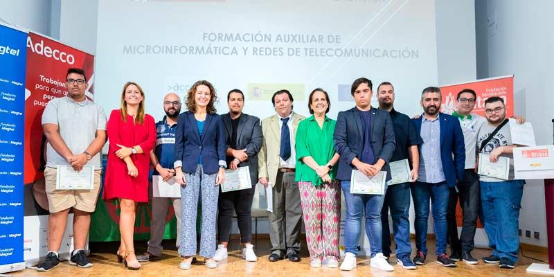 Dieciocho personas en riesgo de exclusión se forman en microinformática y redes en Córdoba